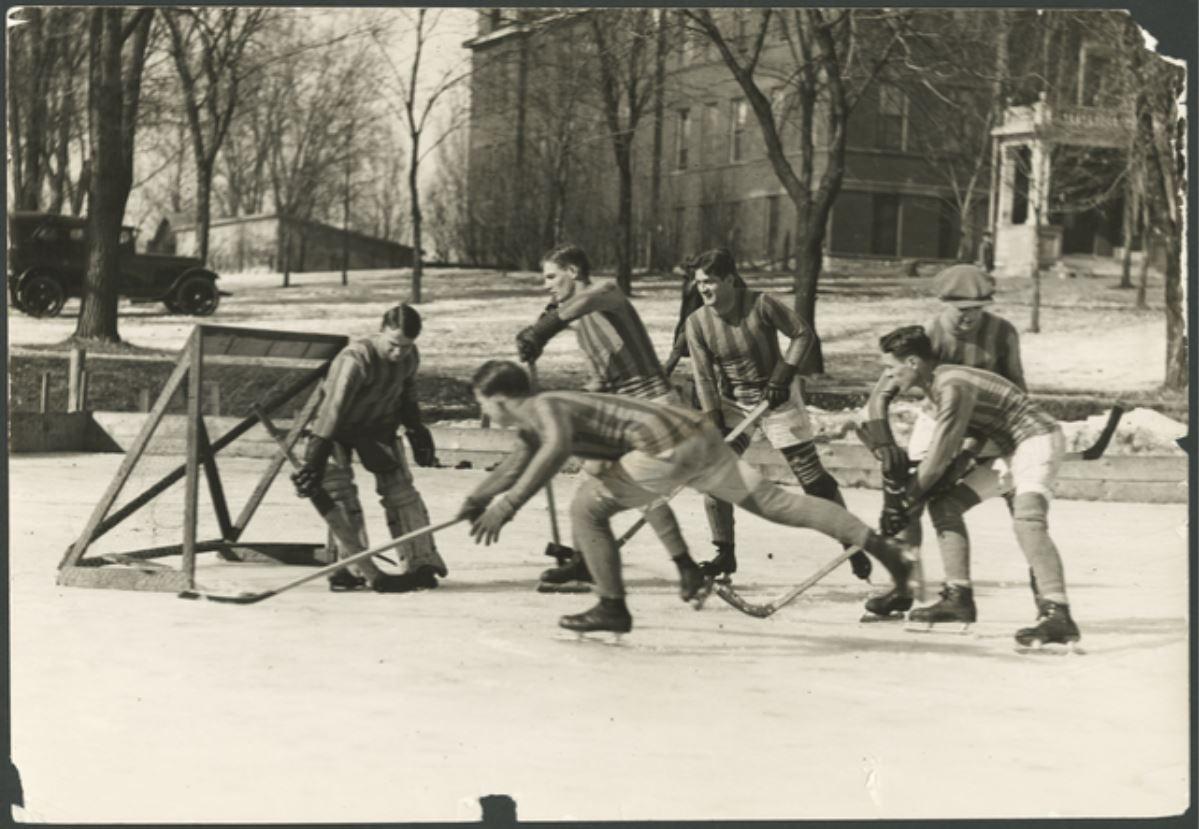 Featured Flashback: St. Thomas hockey in 1924